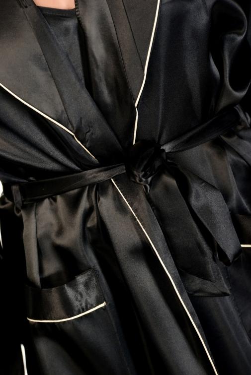 Pania Noir - Déshabillé